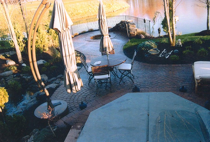 Fire Pits: Courtyard Patio & Jacuzzi