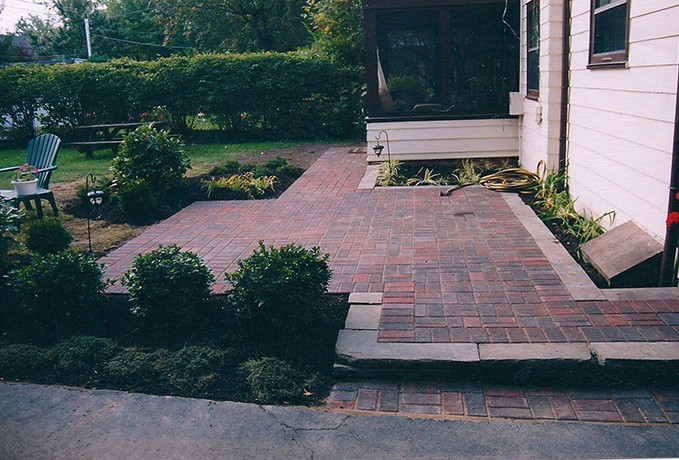 Patio and Walkways: Non Tumbled Traditional Patio
